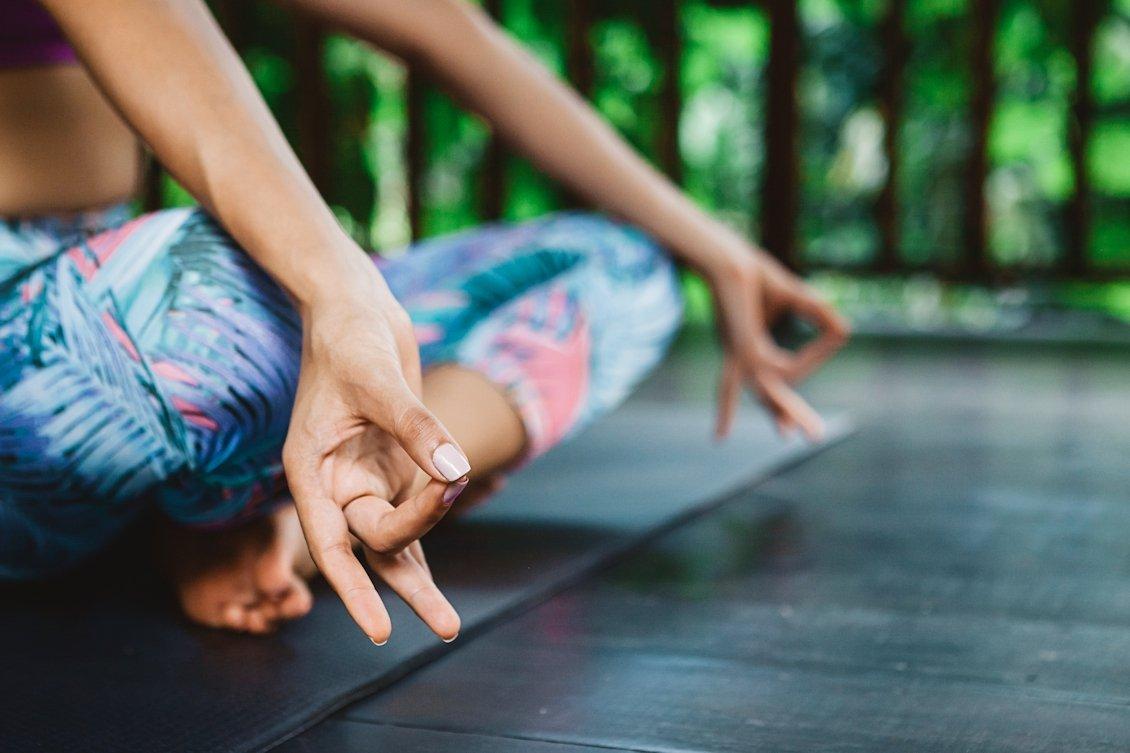 yoga meditatie tuin